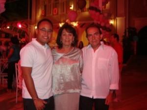 Eliana Lima  com o filho Davi e o marido Getulio Lima