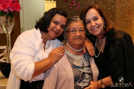 Zelita Pitombo com a filha Vania e a sobrinha Diva Pitombo Vinhas