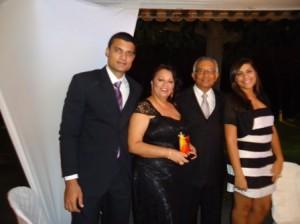 Alfreda com seu marido o Coronel Adelmario Xavier com os filhos Diego e Tâmara