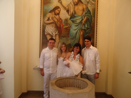 Frederico e Larissa Amado e Laura com os padrinhos e Tios Herminia Trindade e José Mercês Neto