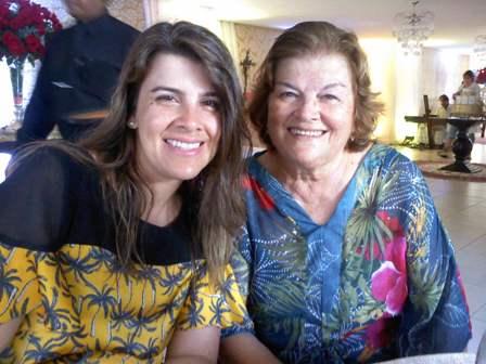 Trocando de idade Viviane Freire Experidião comemorando coom sua mãe Celia Freire em Belém do Pará