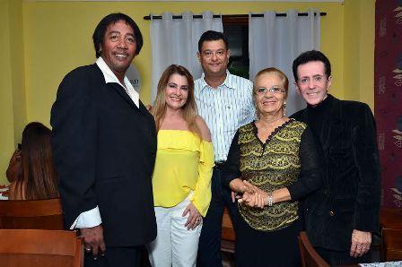 Christy Helmayd Ieda Pereira  Dalvaro Silva Adelaide Ribeiro e o Pitombo