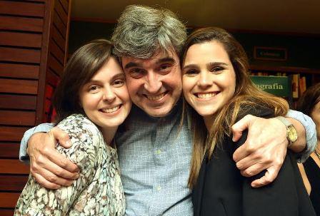 Aluisio Didier com suas filhas Antonia e Beatriz Didier