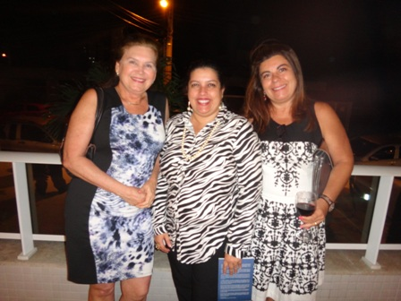 A genicologista Adenilda Martins, Alessandra Ribeiro e Rosângela Sobral