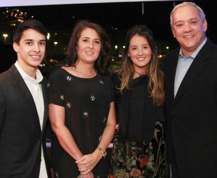 Denise e Sérgio Malta com os filhos Rodrigo e Júlia