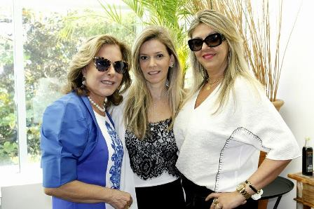 Karina Nigri entre Dirce Motta e Leila Esposito