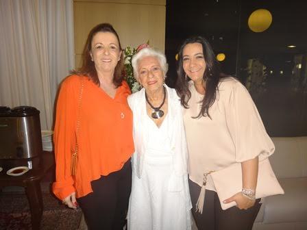 Consuelo Carvalho e sua filha Virginia e sua neta Maria Falcão Mascarenhas