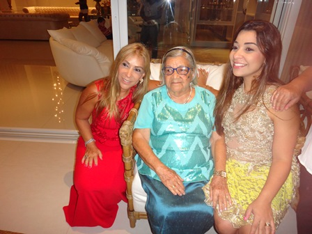 Zelita Pitombo Andrade com sua filha Luci e sua neta Renata Silva Lucas