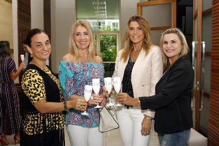 Simone Siqueira, Denise Saud Uran, Claudia Lobo e Karla Edde