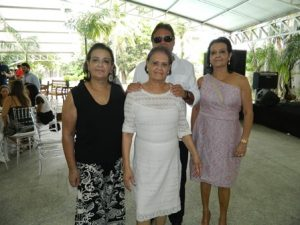 Tereza Falcão com os Filhos Walter, Adenil e Maria Tereza