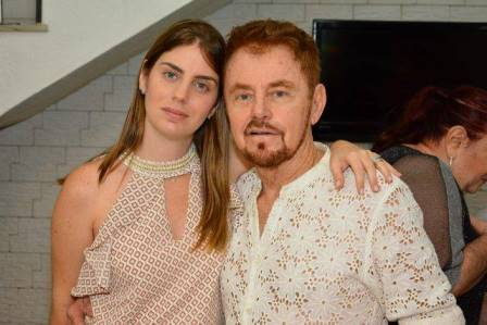 Michaela e seu pai Suca Baratz