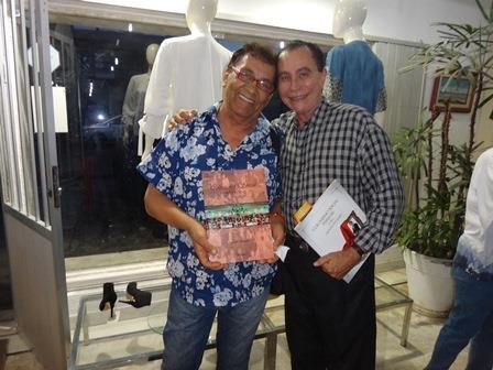 O colunista Cid Daltro com o artista plástico Cesar Romero