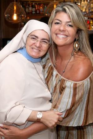 Madre Hildegardes e Nivea Ammon