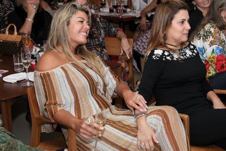 Nivea Ammon e Maria Clara Pamplona