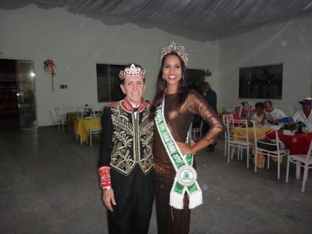Ailton Pitombo e carolina Lima Silva