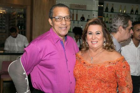 Amaro Leandro e Theresa macedo