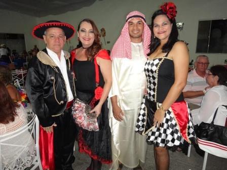 Cesar e Tatiana Slitks, Nilton Araujo e Patricia de Souza Nascimento