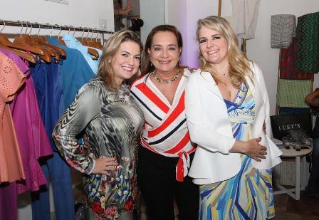 Tatiana Datz, Claudia Simões e Claudia Jannuzzi