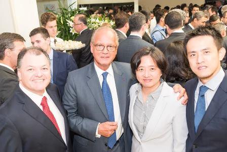 Armando Melani, jJacques Marescaux, Janet Huang Wayne Huang