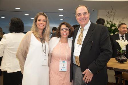 Exibindo Thais Cunha, Leonor Chimeli e Paulo Souza