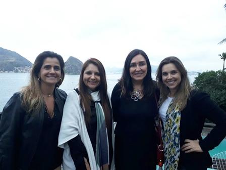 Anna Beatriz Fadul, Magda Curi, Cacau Dias e Manuela Guida no Sunset