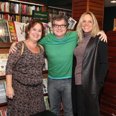 Carlos Eduardo Veiga entre Paula Paiva e Luciana Coelho