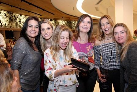 Katia Amon, Ana Paula Colla, Alessandra Curvelo, Alice Barbosa Lima e Georgia Buffara  - Suelly del Posso