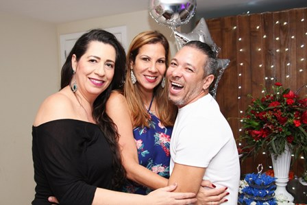 Anna Torres,Carla Daniel e David Santiago
