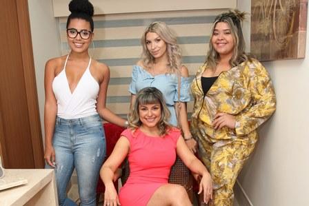 Nathalia Gibson, Jessica Zarro, Izah Menezes e Carolina Guedes