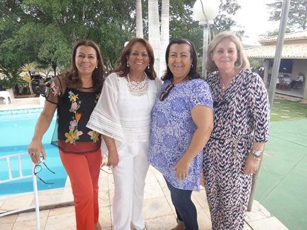 As irmãs Célia, Silvia, Selma e Sonia Martins Costa Lino