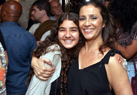 Maia e sua mãe Cyria Coentro