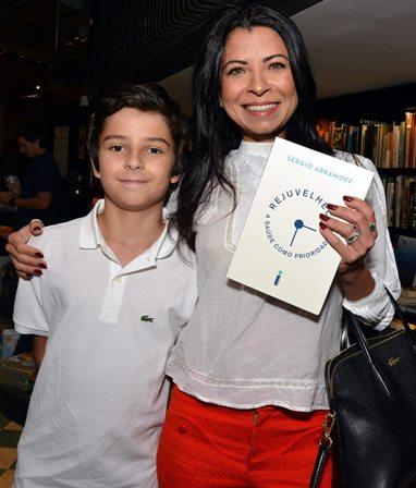 Davi e sua mãe Ana Lima