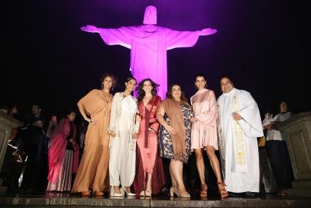 Daniela Oscar, Camila Pitanga, Taina Muller, Marcelle Medeiros, Fernanda Motta e Padre Omar