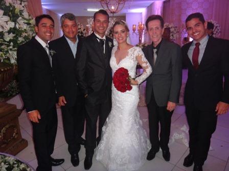 Kleber e Priscila Pedreira Vinhas Araujo entre seus primos, Bruno, Dario Junior, Ailton e Joselito Limeira Filho