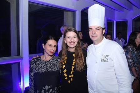 Helen Pomposelli,Camila Salgueiro,Jerone Dardillac(chefe)