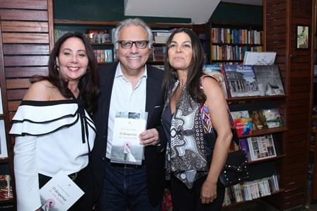 Franklin Toscano entre Rosangela de Oliveira e Margot Martins