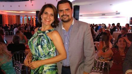 Andréia Sanches e Thiago Gomes