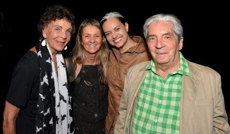 Maria Pompeu , Priscilla Rozenbaum , Duaia Assumpção e Domingos de Oliveira