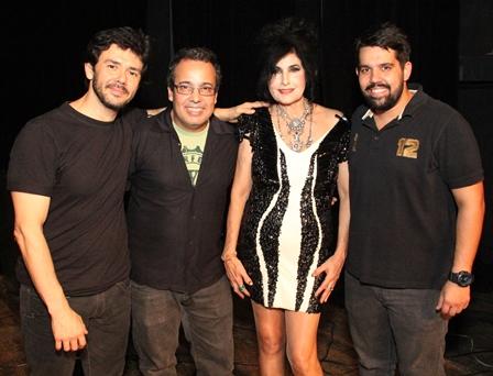 Hanna entre Dodô Moraes, Marcio Souza e Fabriel Souza
