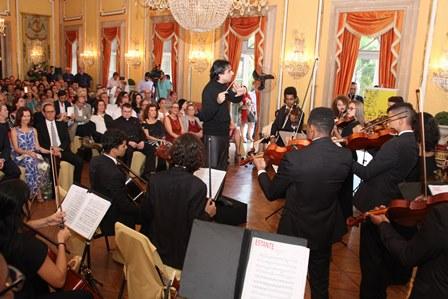 Maestro Mateus Araujo(Plateia lotada)