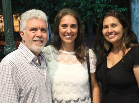 Afonso Falcão e Viviane Valdetaro com Roberta Dacosta