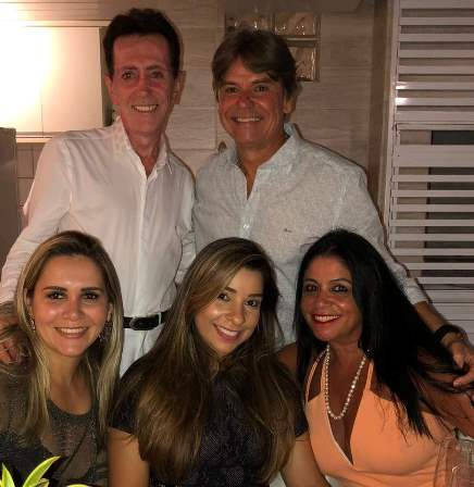 Ailton Pitombo e Edval Nogueira Nascimento com Ayalla Guimarães, Renata Silva Lucas e Nair Vinhas Nascimento