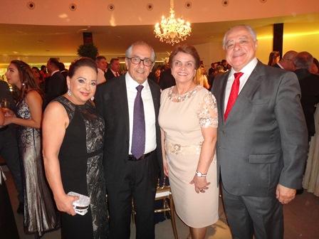 Maria José e Cesar Lopes com Marama e Jairo Carneiro