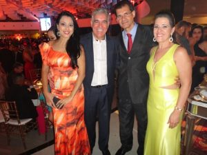 Naiana e José Neto com Gerson e Nádia Bulos