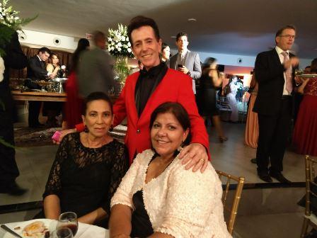 Pitombo entre Eliana Carvalho Lima e Sonja Dias