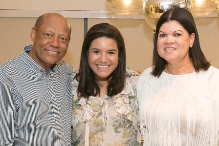 Dr. Deusdeth Gomes do Nascimento, filha Mayara e esposa Yara