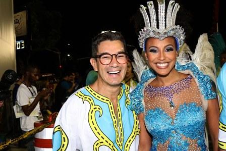Marcelo Hico e Sharon Menezes