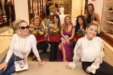 Cynthia Campelo, Else Marques, Andrea Tostes, Bianca Marques, Anna Maria Tornaghi, Ilka Tostes e Thuanny Costa