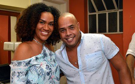 Mariene de Castro e Robson Outeiro