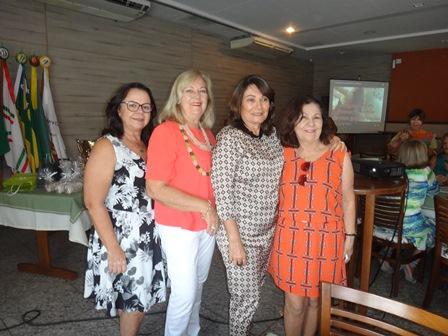 Martine Vergues Velloso, Eliana Martins e Maria Aparecida Carneiro Santos Almeida